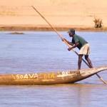 Piroga sul fiume Tsiribihina